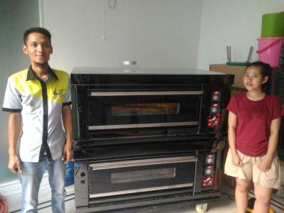 Ibu Yuni, Jakarta, Gas Baking Oven