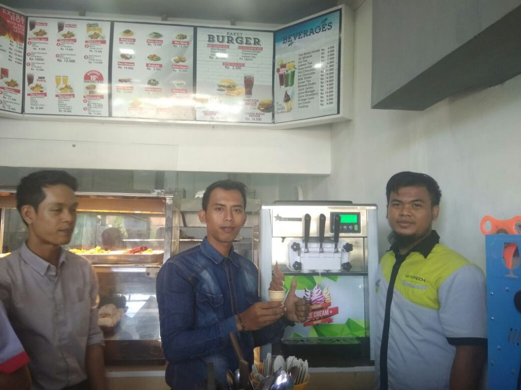 sakinah chicken & burger, Cilegon, Soft Ice Cream Machine