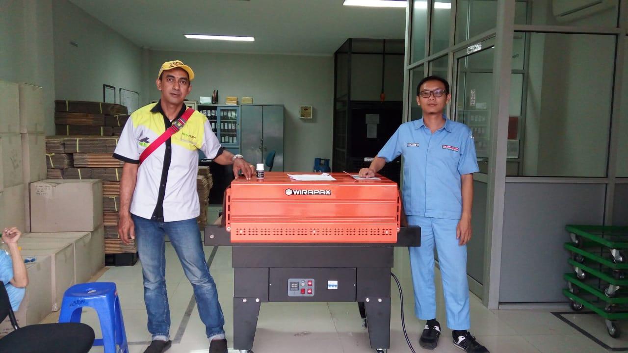 Trial Mesin Shrink Tunel 4525 - CV Vicomas Internasional Citereup Bogor